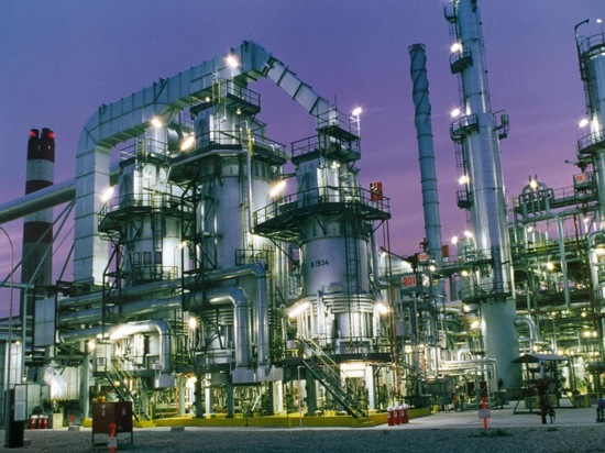 oil refinery 1.jpg
